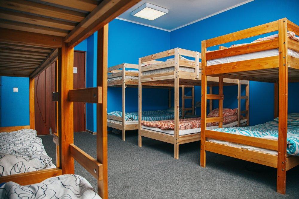 exemplo de quarto em um hostel
