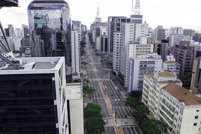 Fachada de prédios na Avenida Paulista, em São Paulo