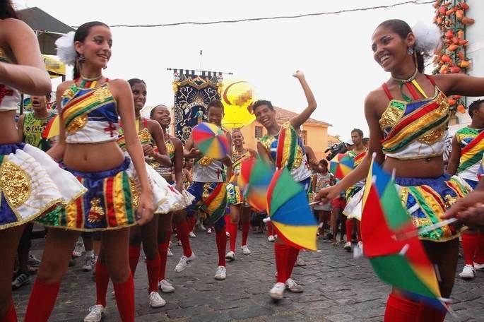 Passistas dançando Frevo